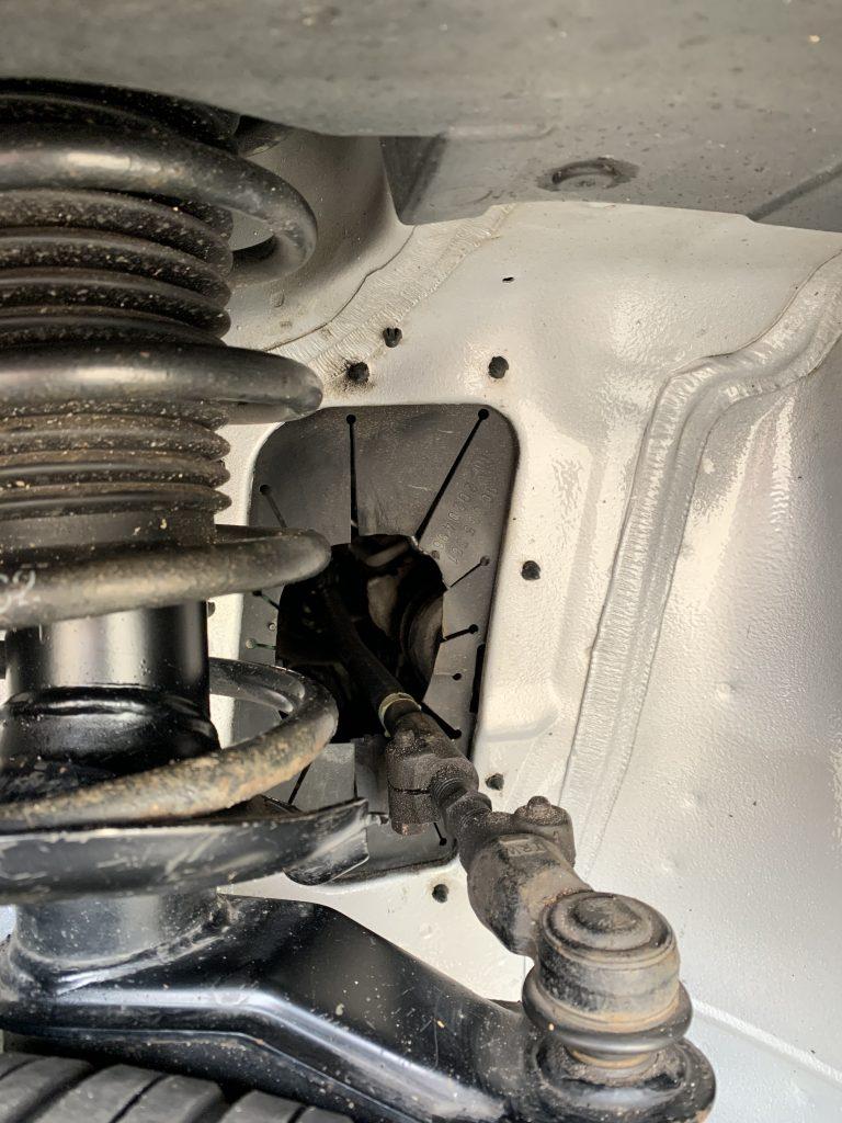 Saab 9-3 Aero Turbo front left wheel space